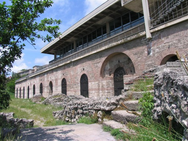 Am luat bilete la mare, vreți să mergeți și voi? sursa www.litoralulromanesc.ro/obiective_turistice_litoral.